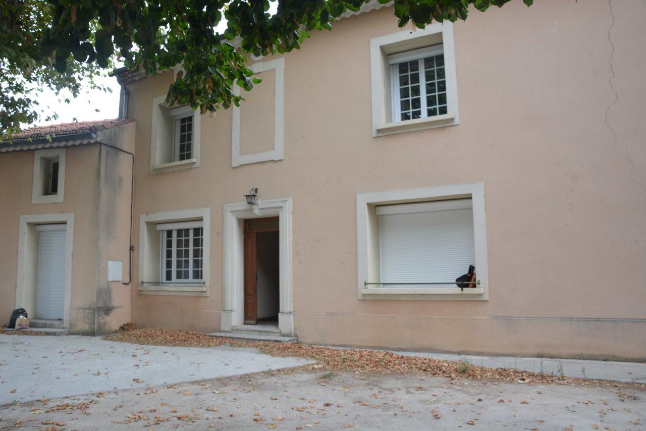 Location maison/villa 5 pièces camaret sur aigues 84850