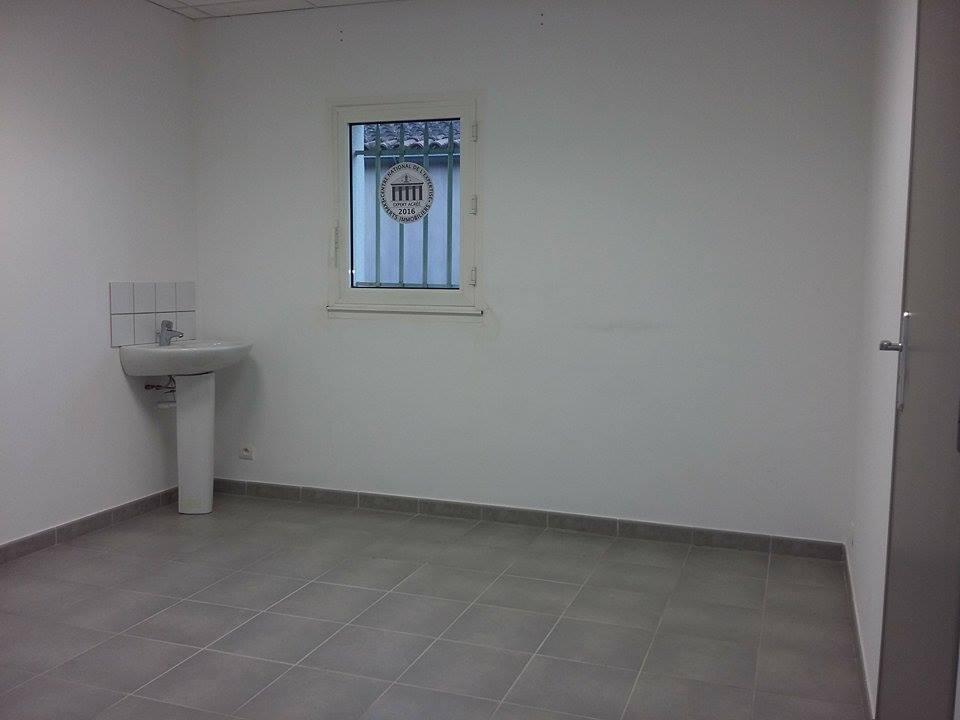location bureaux camaret sur aigues camaret sur aigues 84850